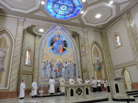 Catedral é reaberta ao povo